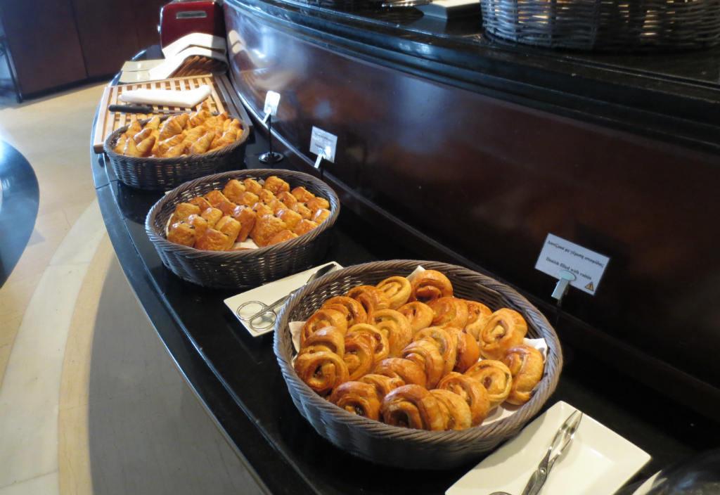 breakfast-at-hyatt-regency-thessaloniki-hotel-ladytravelguide