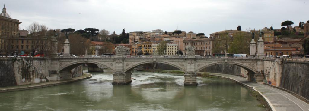 ponte-vittorio-emanuele-rome-ladytravelguide