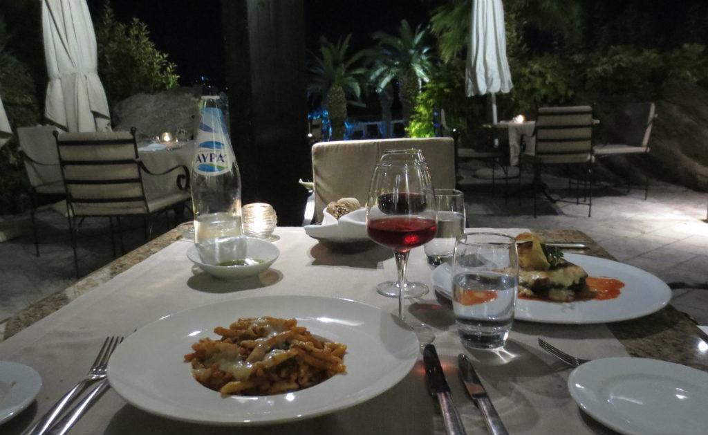 Restaurant-Hyatt-Reency-Thessaloniki-LadyTravelGuide