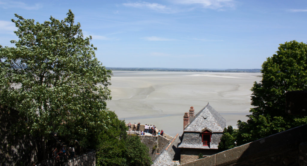 Mont-saint-Michel-Lady-Travel-Guide