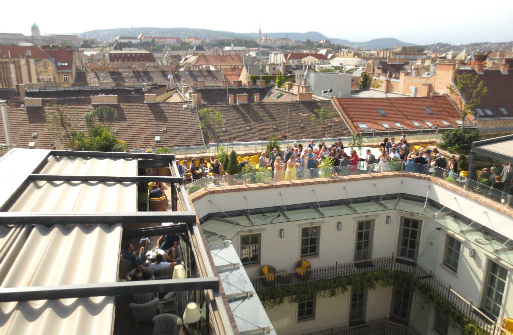 enjoyable-rooftop-bar-high-note-in-budapest-ladytravelguide-5