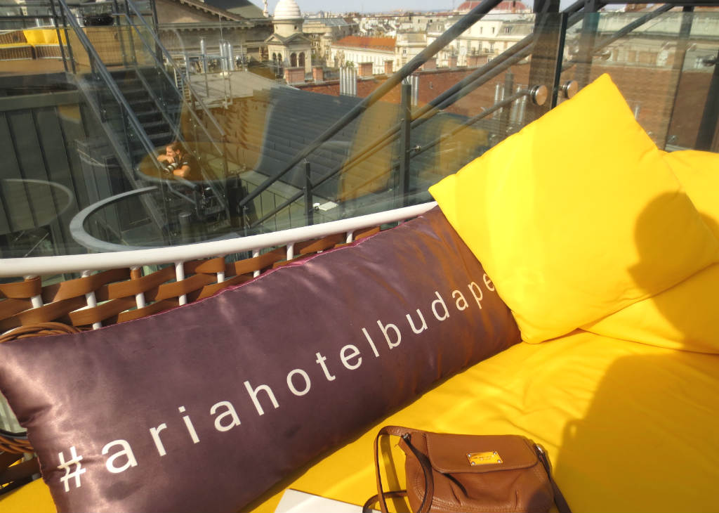 enjoyable-rooftop-bar-high-note-in-budapest-ladytravelguide-6