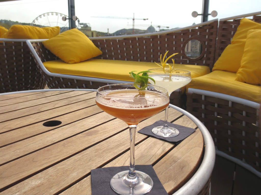 enjoyable-rooftop-bar-high-note-in-budapest-ladytravelguide-8